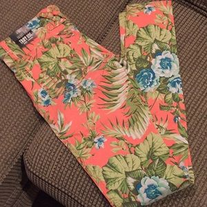 Tripp nyc floral jeans